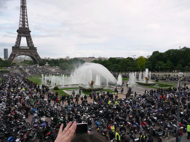 en moto, terminus au Trocadéro