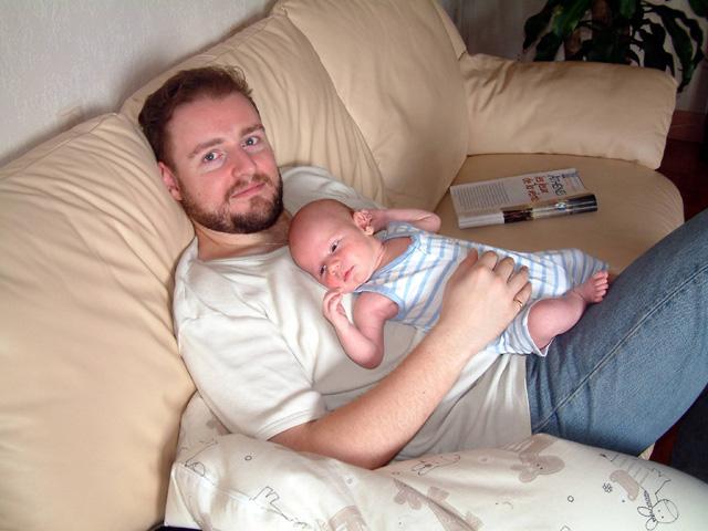 Photographie d'Antonin dans mes bras