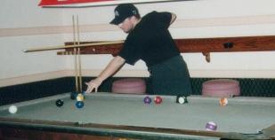 photo d'Eric jouant au billard