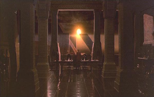 Blade Runner, Rachel passe le test de Voight-Kampff ; fenêtre à moitié opaque