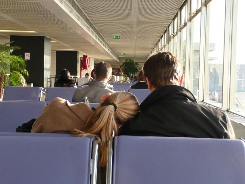 En attendant l'avion
